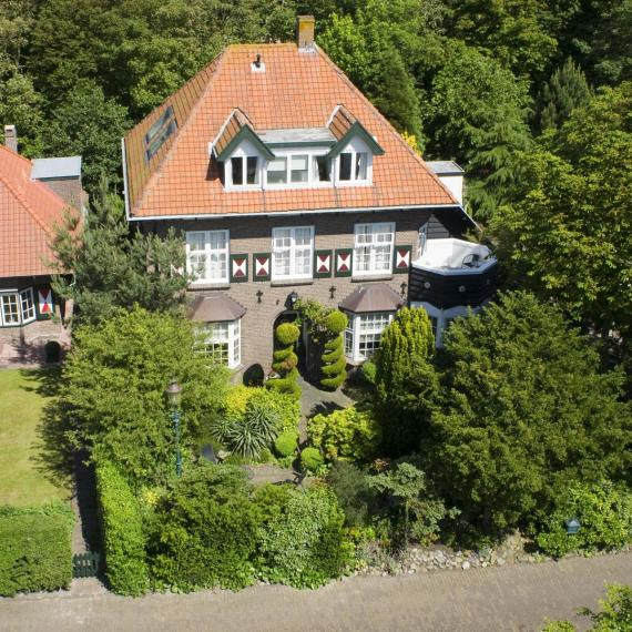 4ez-luchtfoto_hotel_02.jpg - Hotel Villa Hoogduin - Domburg